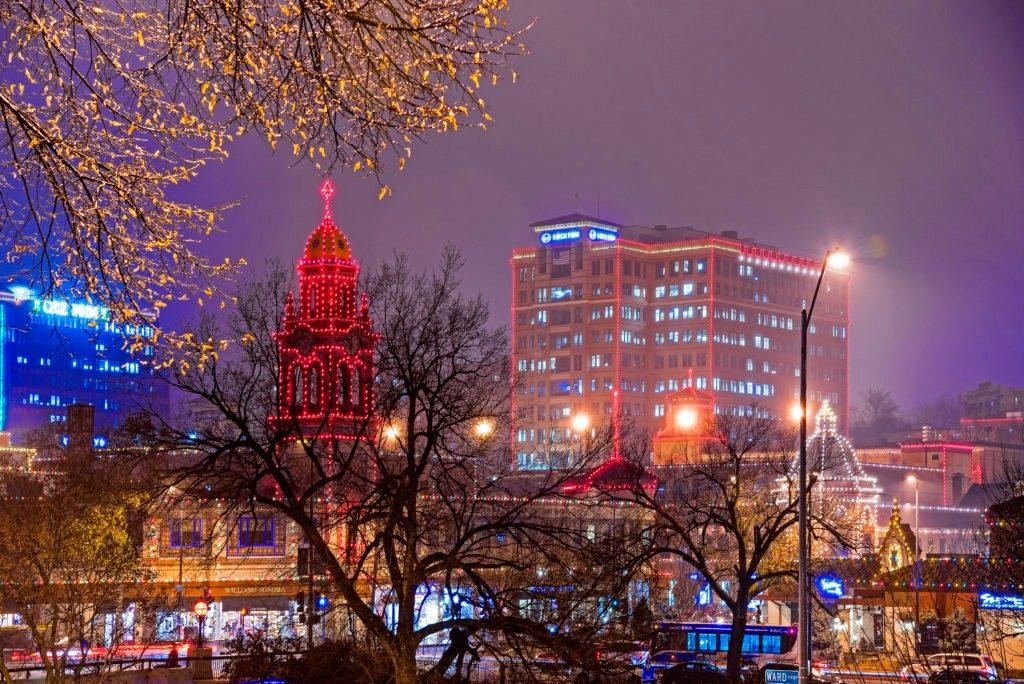 plaza-lights-fog-4-121616-fa-1024x684
