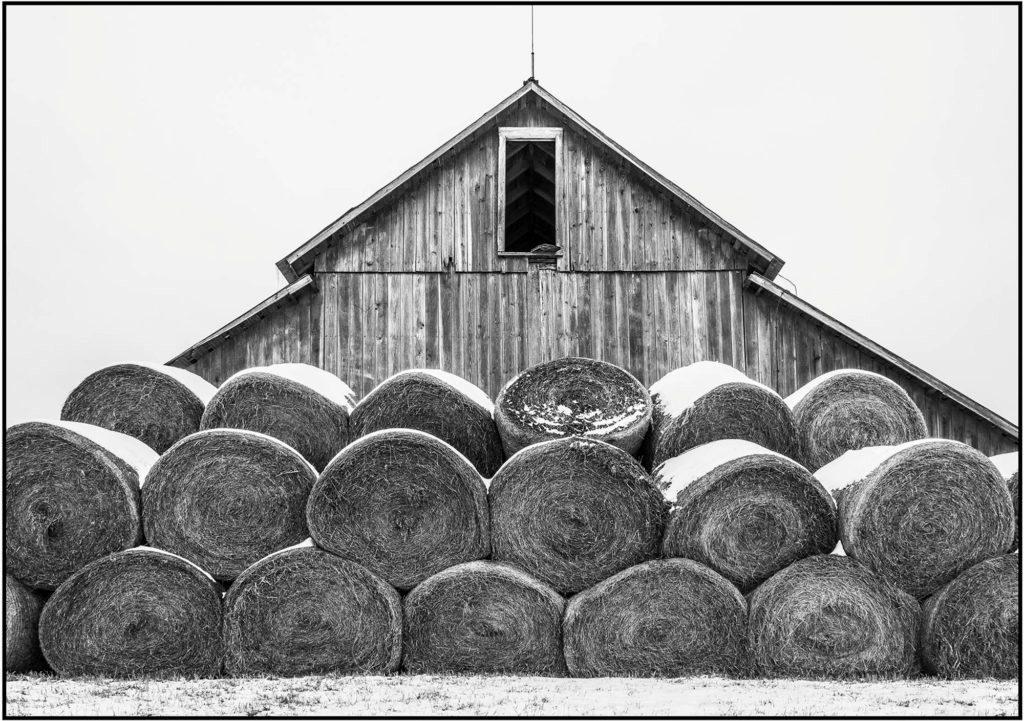 snow-barn-with-hay-bales-151st-lakeview-olathe-ks-021615-fa-1-1-1024x721